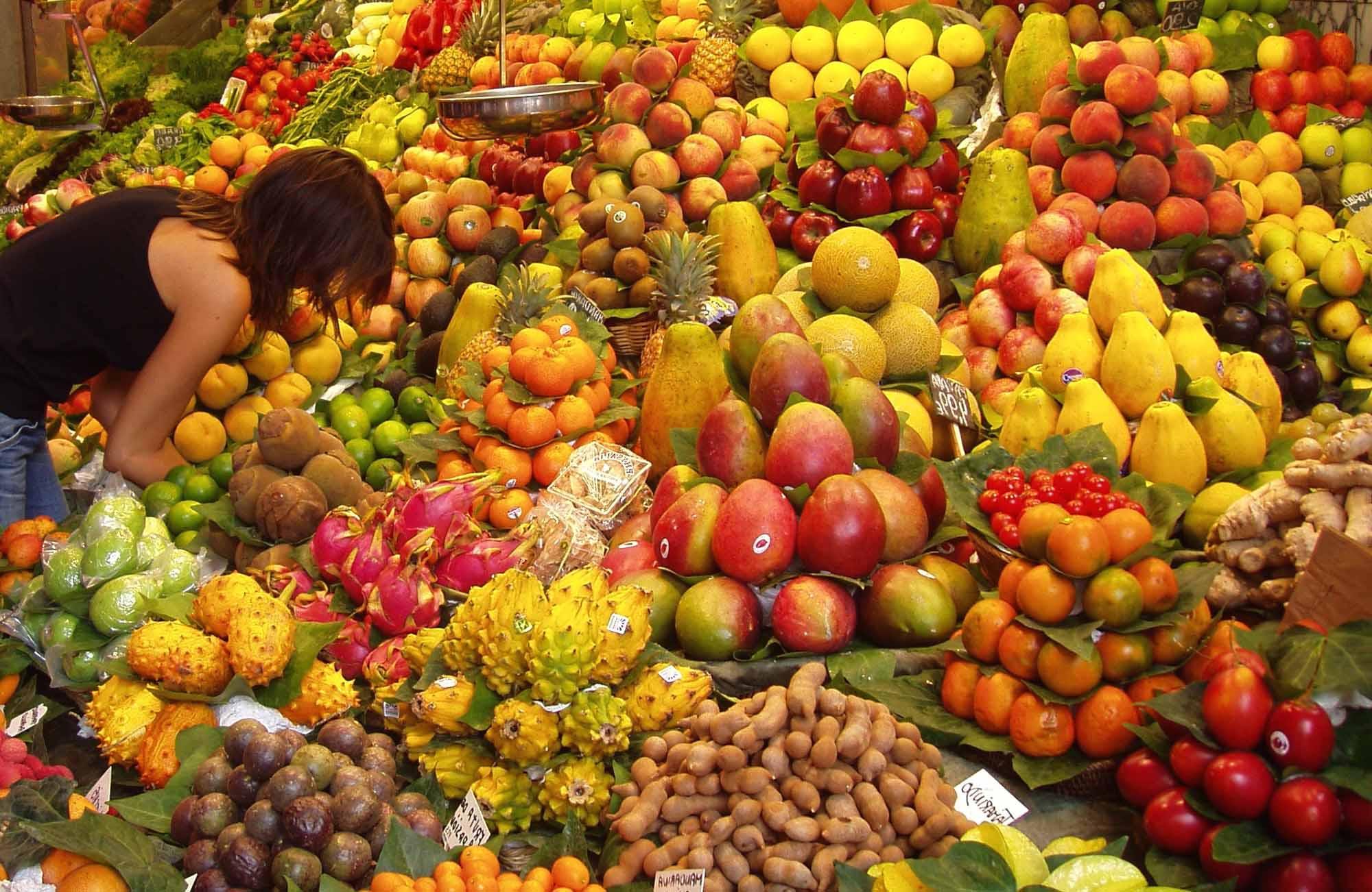 Come aprire una frutteria for Idee per arredare un negozio di frutta e verdura